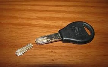 locksmith #city broken key